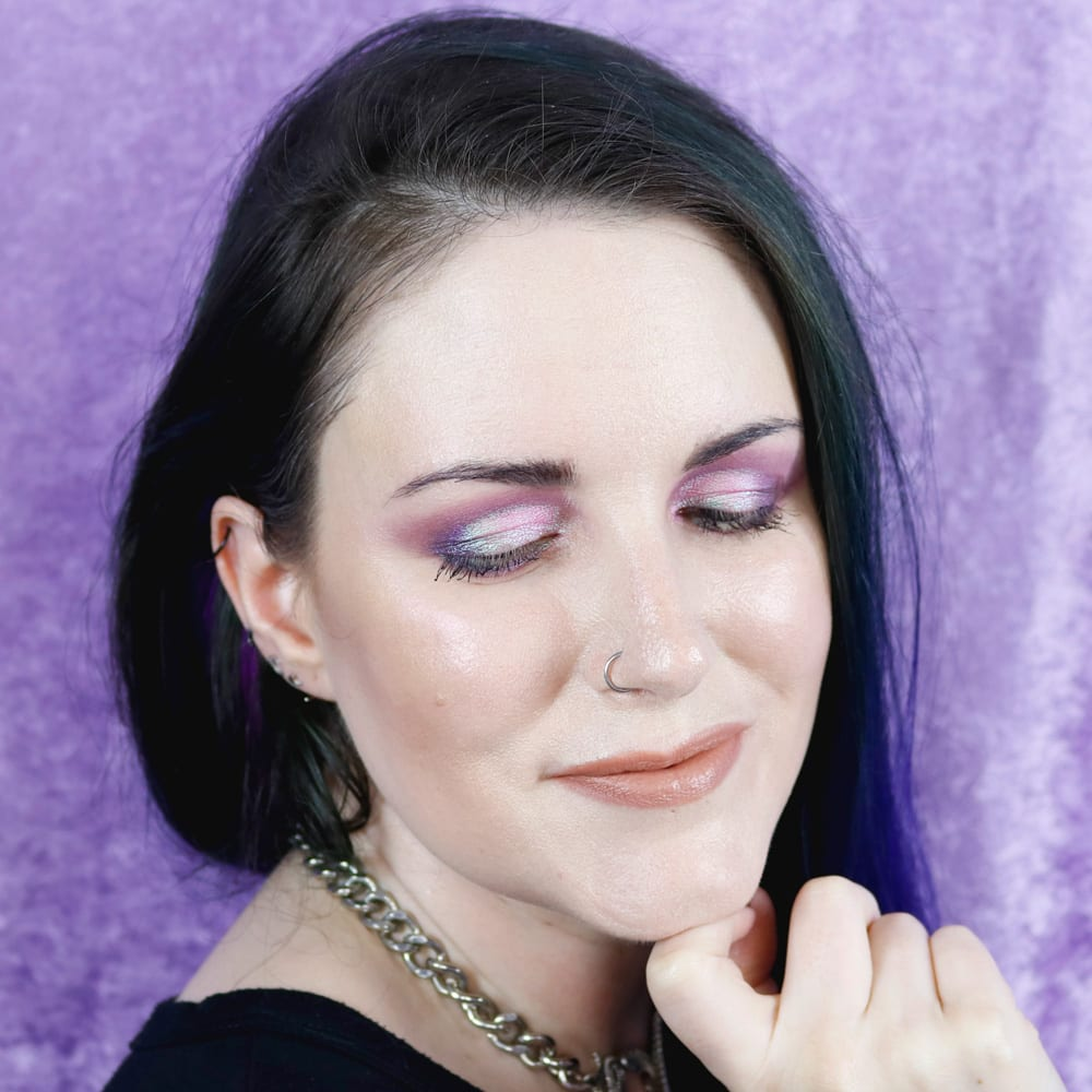 Fyrinnae Alpenglow Idolize Look on Hooded Eyes Duochrome Makeup